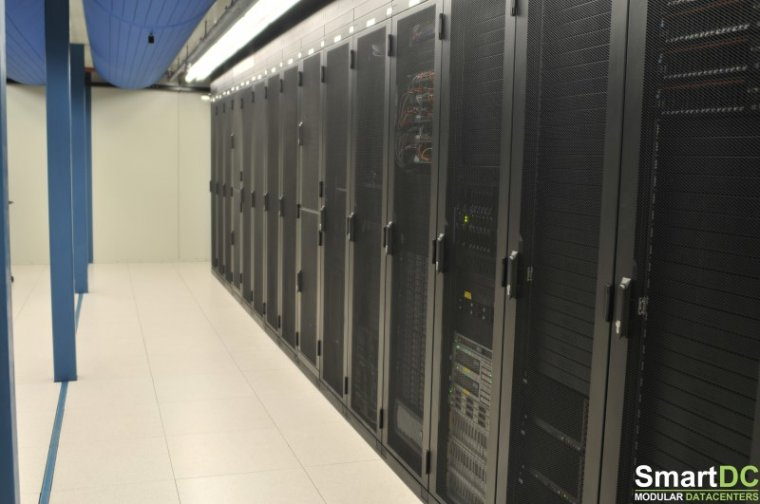 SmartDC-Datacenter-colocation-racks