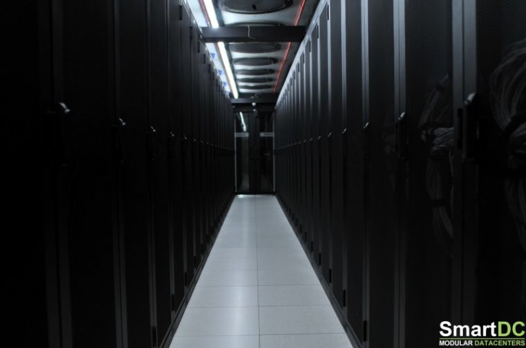 SmartDC-Datacenter-hot-corridor