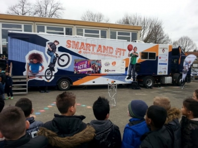 2014_Smart_and_Fit_Bibliotheekbus_Limburg_-_accu_set_en_Victron_lader_SIM_Holland-P07